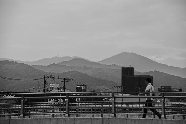 Photos: 橋と山