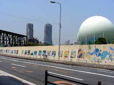 090509九条淀川大橋 023壁画と鉄橋