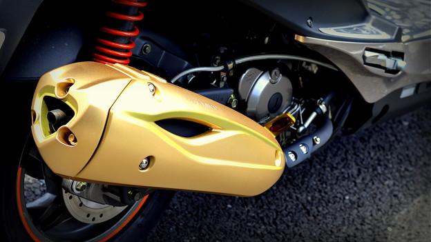 レーシングキングマフラーカバー塗装Ver2