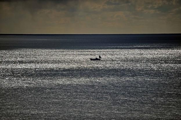 01煌く海