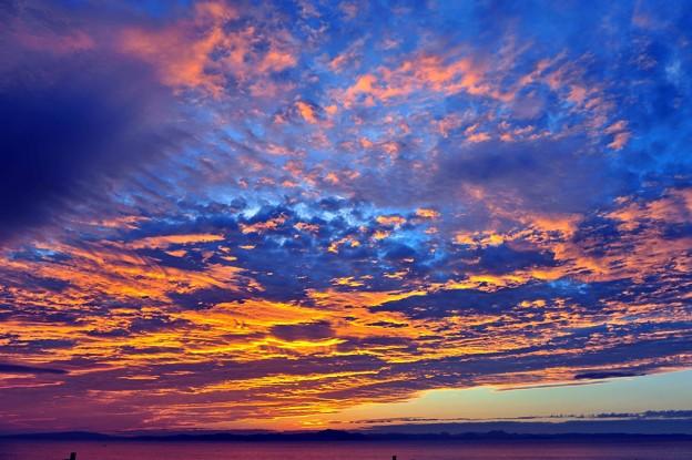 01 金色に輝く雲