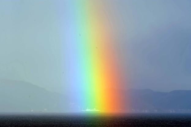 26 虹伸びる