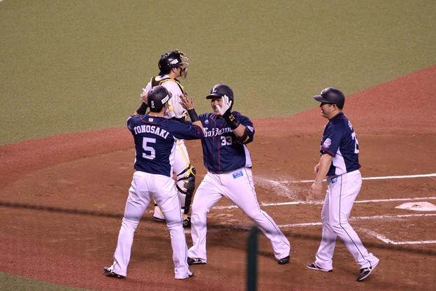 Photos: 山川穂高 39号HR ホームイン02