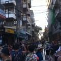 写真: ホテル前の通りも激戦