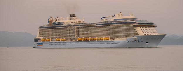 写真: クルーズ船寄港
