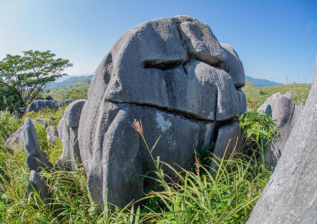 キス岩の裏側
