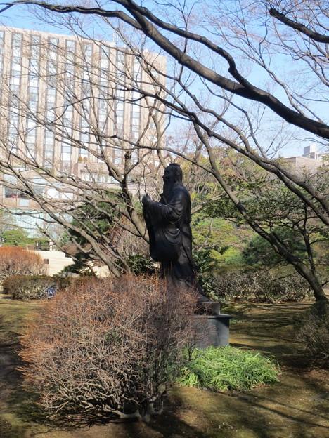 大隈庭園・孔子像