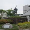 彦根駅前・井伊直政の像