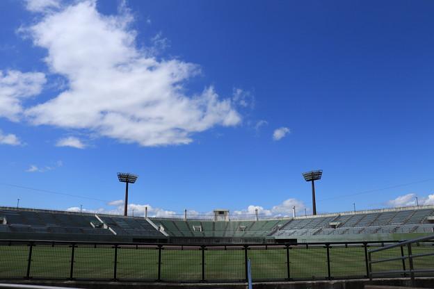 青空と野球場