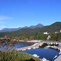 Photos: 秋迫るウトロ港と知床連山