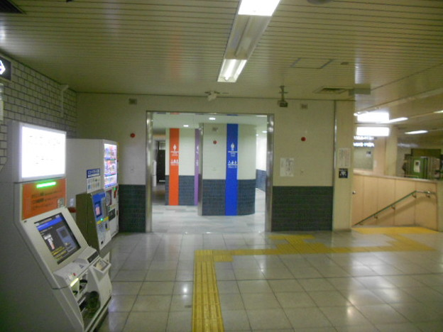 10-02 五条駅(K10)トイレ外観