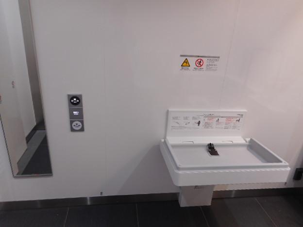 140市場前駅トイレ(11)