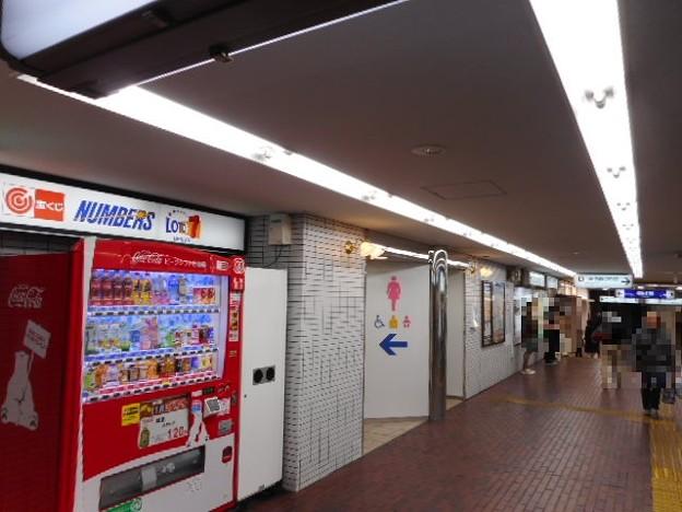 27-21 小田急町田駅トイレ(02)外観
