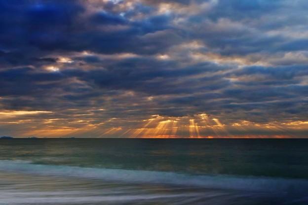 初日の出は雲の中。