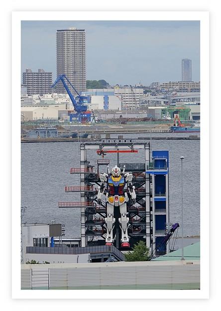 Photos: ガンダム、横浜に現る。(「マジンガーーーーZ、横浜に現る。」を訂正)