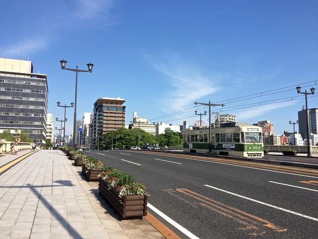 相生橋 広島電鉄 700形 広島市中区大手町1丁目 - 本川町1丁目 2016年7月17日