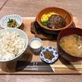 写真: 塩麹で旨味引きだすハンバーグお膳 ますきち MASUYA KITCHEN 広島市中区基町 広島バスセンター バスマチフードホール