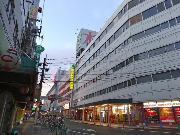 Photos: フタバ図書 GIGA広島駅前店 広島市南区松原町 カープロード 2012年12月2日