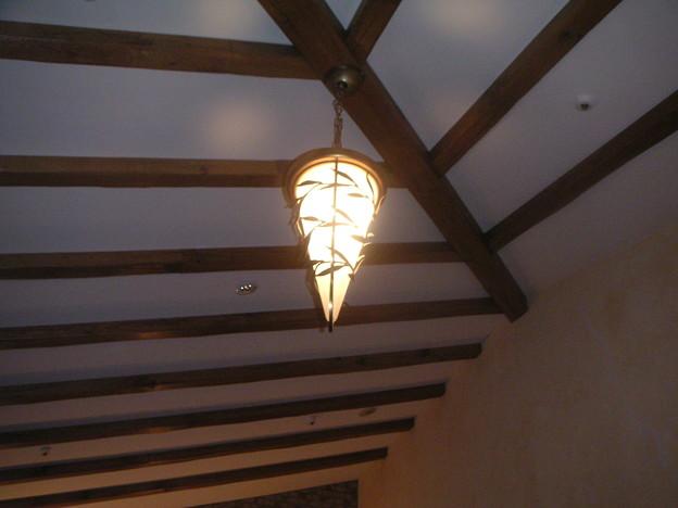 不思議な形の洋燈