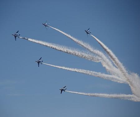 飛行機(31)−ブルーエンゼルスの曲技飛行(その二)、入間航空祭