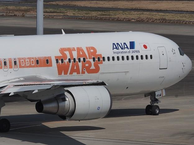 Photos: ANA 特殊塗装機STAR WARS