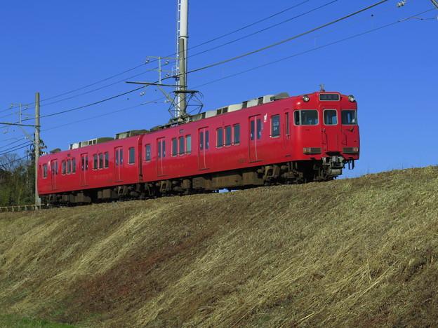 三河線赤い電車は窓が開く