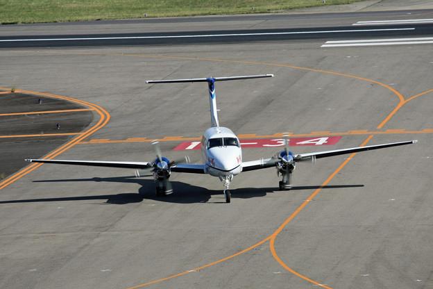 JA122N 中日本航空 ビーチクラフト・スーパーキング・エア IMG_8203_2