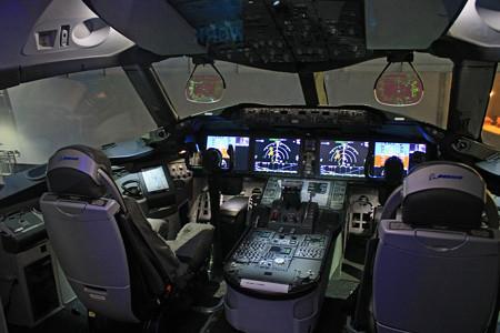 FLIGHT OF DREAMS フライト オブ ドリームズ B787 N787BA コックピット IMG_8566_2