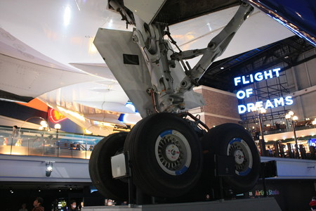 FLIGHT OF DREAMS フライト オブ ドリームズ B787 N787BA 右メインギヤ IMG_8607