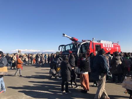 西春日井二市一町合同出初式 航空自衛隊小牧基地 大型破壊機救難消防車 A-MB-3 IMG_2075