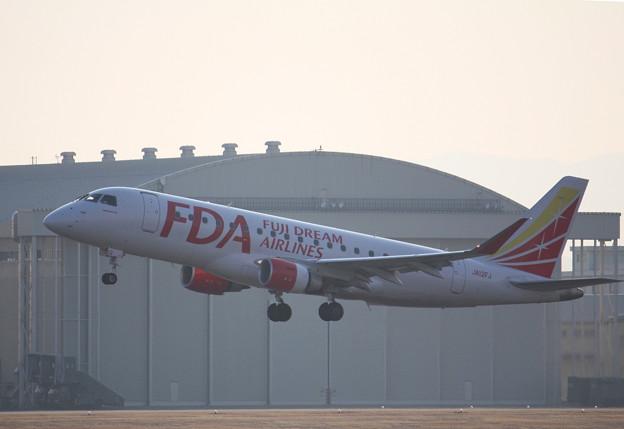 FDA フジドリームエアラインズ ERJ-175 JA12FJ IMG_9072_2