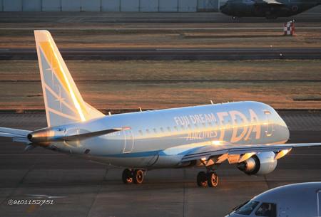 FDA フジドリームエアラインズ ERJ-170 JA02FJ 県営名古屋空港にて IMG_8062_3