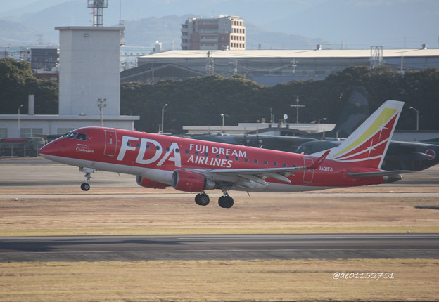 FDA フジドリームエアラインズ ERJ-170 JA01FJ 県営名古屋空港にて IMG_8194_3