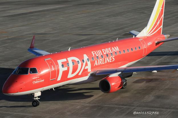 FDA フジドリームエアラインズ ERJ-170 JA01FJ 県営名古屋空港にて IMG_8186_3