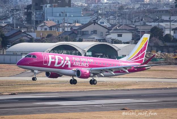 FDA フジドリームエアラインズ ERJ-175 JA15FJ ローズピンク IMG_8426_3