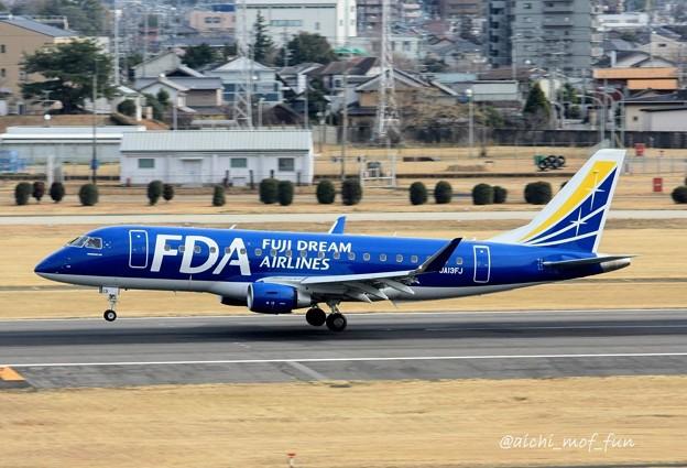 FDA フジドリームエアラインズ ERJ-175 JA13FJ ネイビーブルー IMG_8602_3