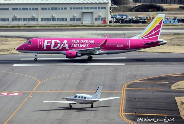 FDA フジドリームエアラインズ エンブラエル ERJ-175 JA15FJ ローズピンク  IMG_9290_3