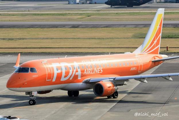 FDA フジドリームエアラインズ JA05FJ オレンジ ERJ-175 IMG_9350_3