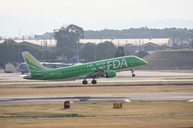 FDA フジドリームエアラインズ JA08FJ ティーグリーン ERJ-175 IMG_9308
