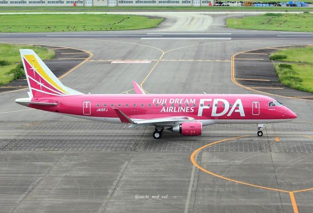 FDA フジドリームエアラインズ JA15FJ ローズピンク ERJ-175 IMG_0359_3