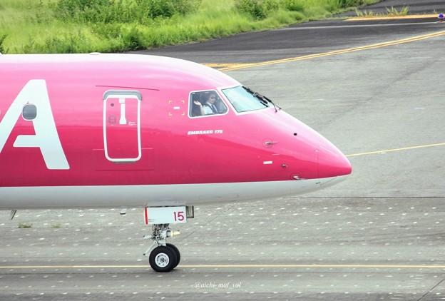 FDA フジドリームエアラインズ JA15FJ ローズピンク ERJ-175 IMG_0358_3