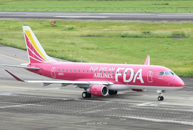 FDA フジドリームエアラインズ JA15FJ ローズピンク ERJ-175 IMG_0356_3