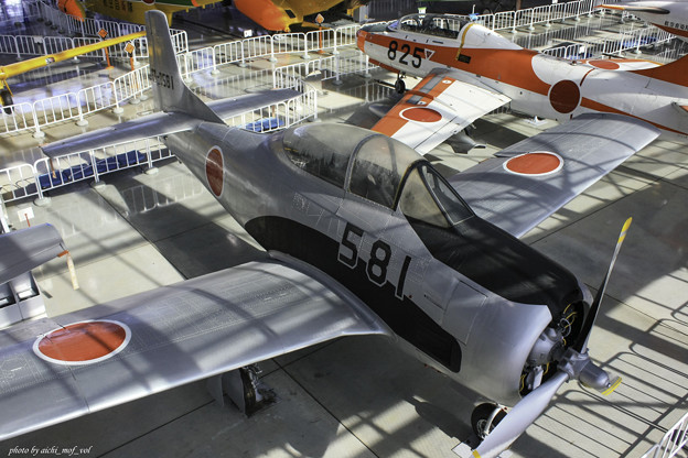 T-28B 練習機 63-0581@エアーパーク IMG_3392-3
