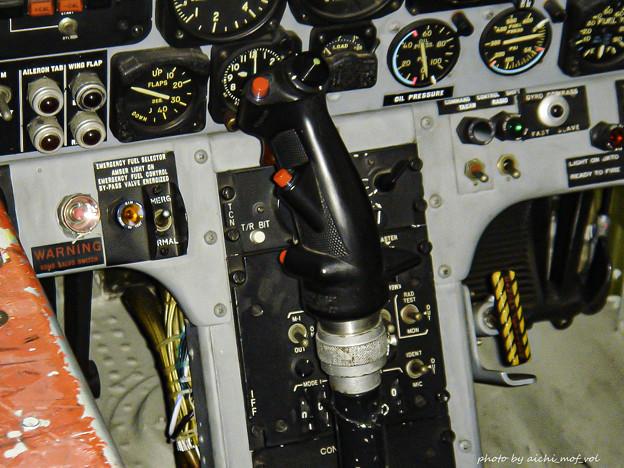 T-33練習機 飛行開発実験団 61-5221 前席 コックピット 操縦桿 DSC00129-3