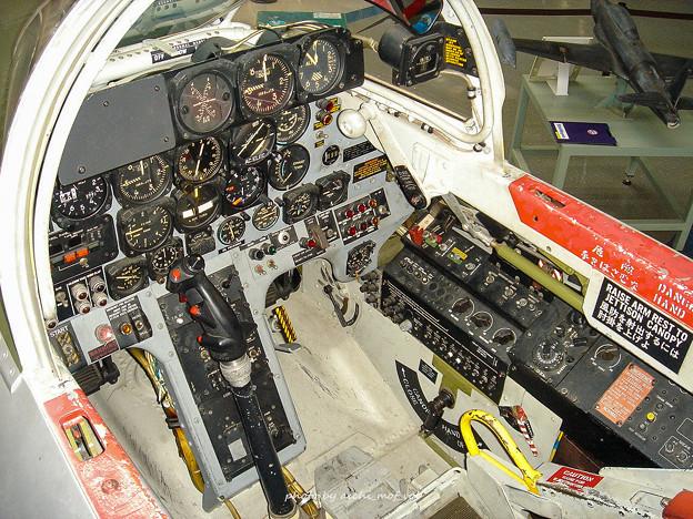 T-33練習機 飛行開発実験団 61-5221 前席 コックピット DSC00125-2