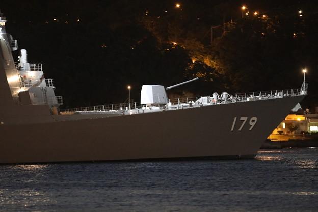 Photos: 夜の護衛艦