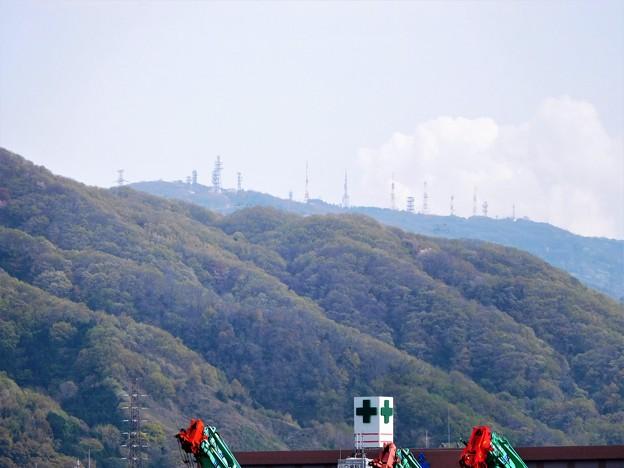 第二京阪道脇からの生駒山の眺め