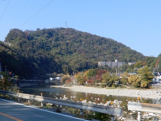 00廃線敷入口へと武庫川沿いをゆく