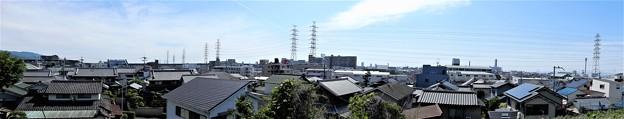 塚山古墳墳丘上からの眺め ・南、西方向