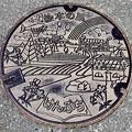 098-0392北海道上川郡剣淵町のマンホール(モノクロ)